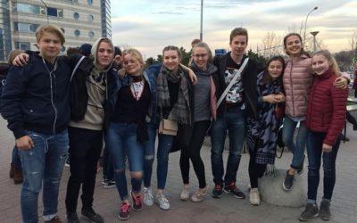 Tiistaiaamuna yöjuna toi Helsingistä Moskovaan SVK:n iloiset 8.-luokkalaiset. Mo…
