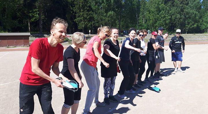 Aurinkoisessa säässä Pirkkolan kentällä pelattiin torstaina jo perinteinen opet …