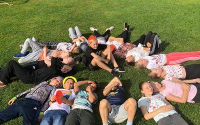 Urheilupäivää vietettiin ihanassa säässä Unicef- kävelyn ja ulkoleikkien merke…