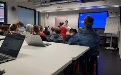 9. luokan elektroniikan ja ohjelmoinnin kurssilaiset kävivät Aalto yliopiston …