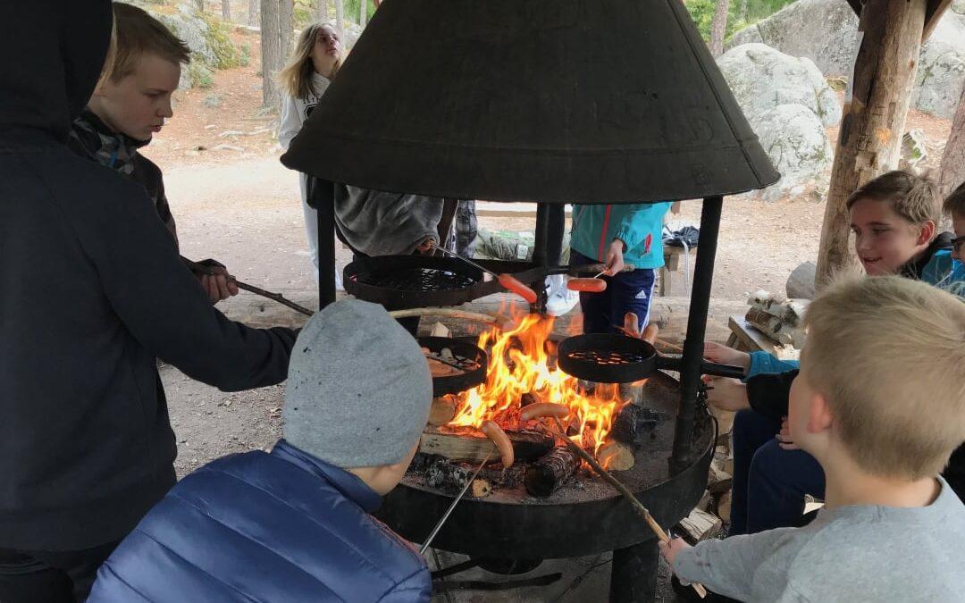 Viime viikolla oli 7. luokan retkipäivä Nuuksiossa. Syksyn viimeiset lämpimät pä…